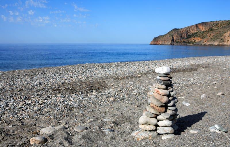 De stenen van het saldo in Sougia stock foto