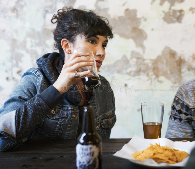 De Sterke drank van het ambachtbier brouwt Alcohol viert Verfrissing stock fotografie