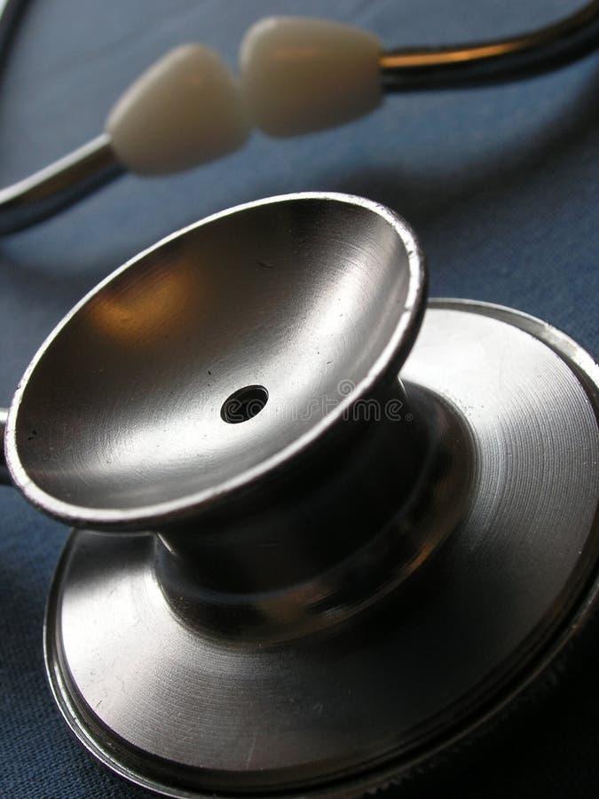 Download De stethoscoop van de arts stock foto. Afbeelding bestaande uit behandeling - 281824