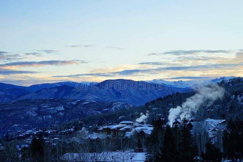 Download De Stijging Van De Snowmasszon Stock Foto - Afbeelding bestaande uit hoog, butte: 107708818
