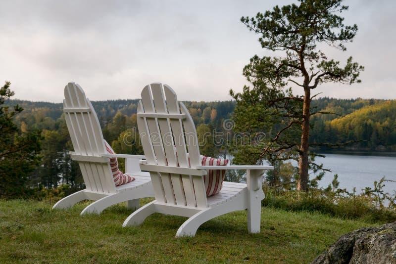 De stoelen van Adirondack royalty-vrije stock afbeeldingen