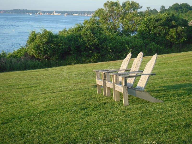De stoelen van Adirondack stock afbeeldingen