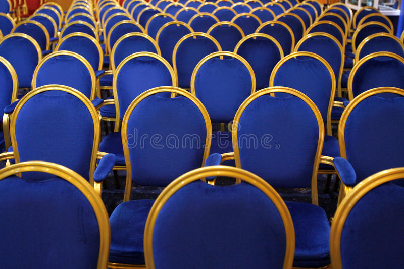 De stoelen van de conferentie stock foto
