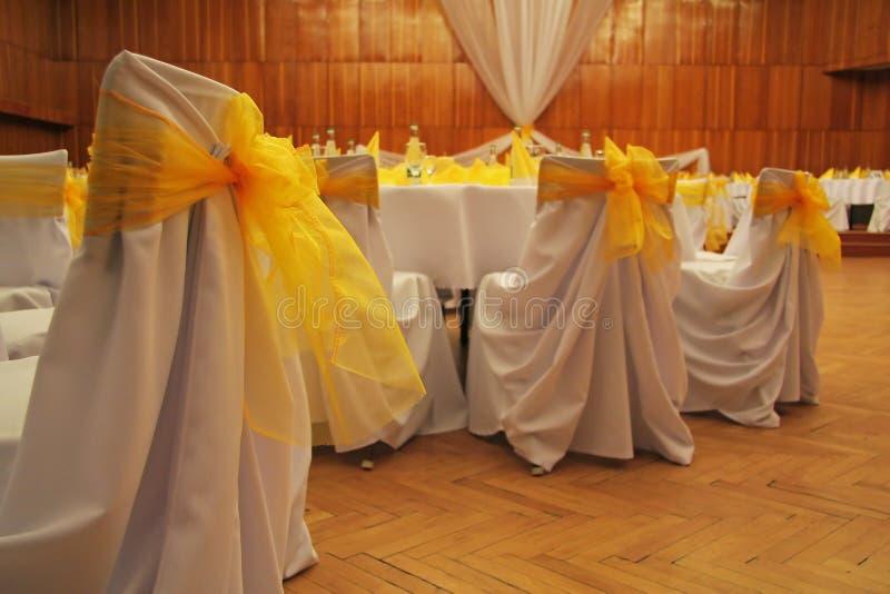 De stoelendecoratie van het huwelijk royalty-vrije stock afbeeldingen