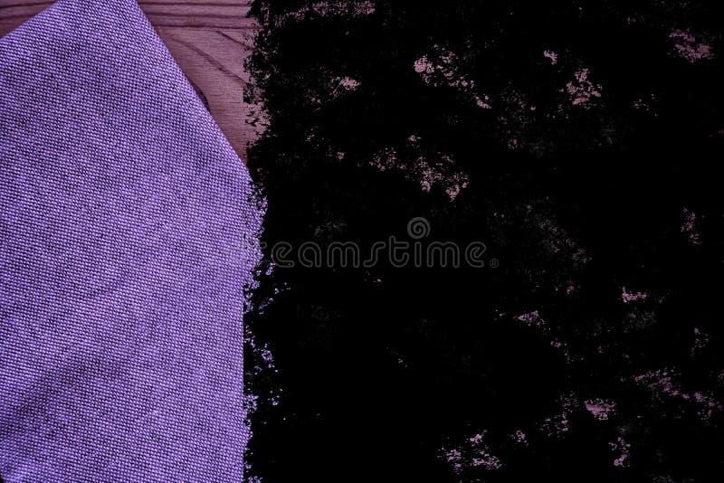De stoffenoppervlakte van het Grunge ultra purpere Linnen voor model of ontwerpergebruik, de steekproef van de boekdekking, monst royalty-vrije stock foto