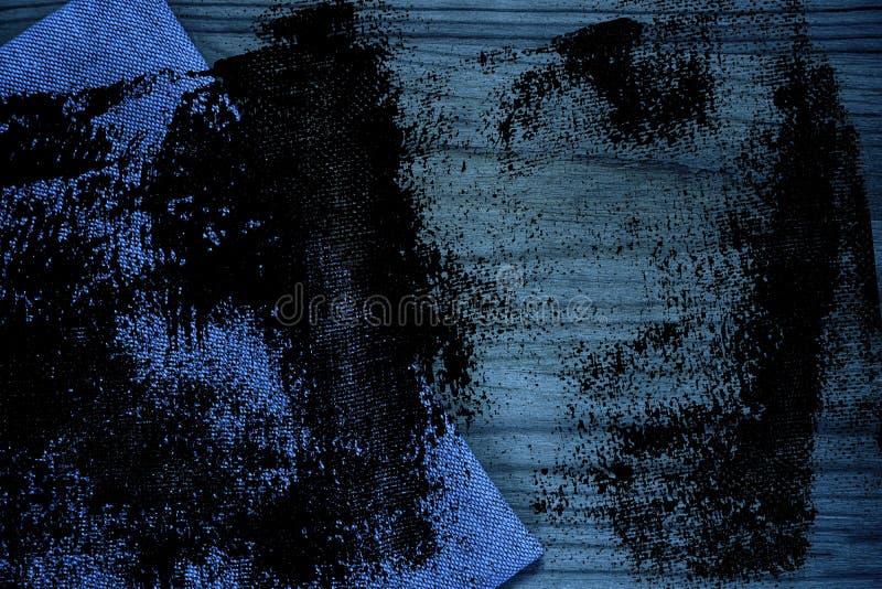 De stoffenoppervlakte van het Grunge vuile ultra blauwe Linnen voor model of ontwerpergebruik, de steekproef van de boekdekking,  stock afbeelding