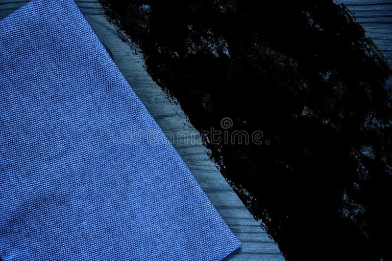 De stoffenoppervlakte van het Grunge vuile ultra blauwe Linnen voor model of ontwerpergebruik, de steekproef van de boekdekking,  stock foto