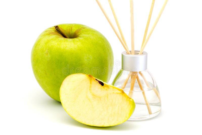De stokken van de luchtverfrissing met een groene geïsoleerde appel royalty-vrije stock afbeelding