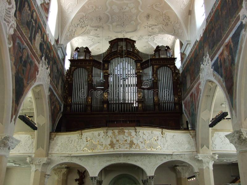 De stora kyrkaorganen i Konstanz arkivfoto