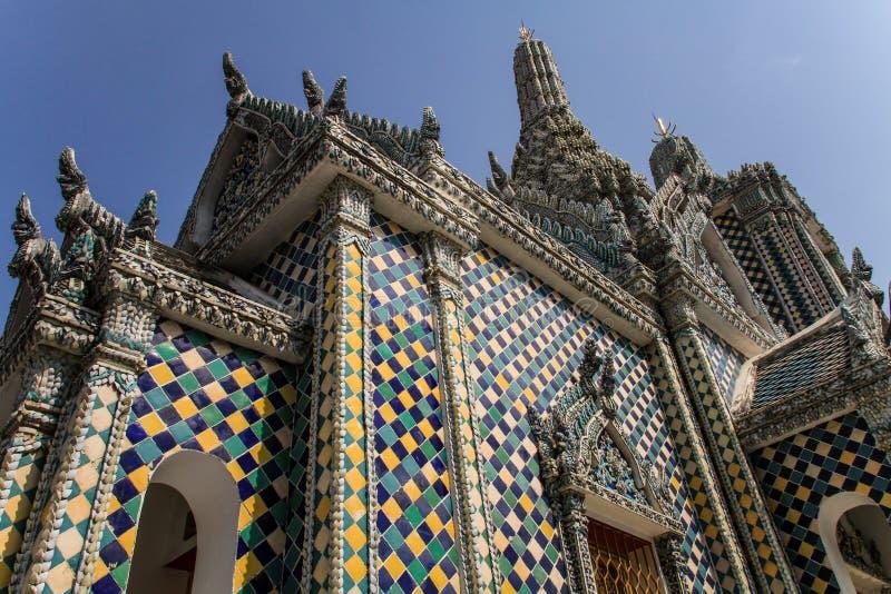 De storslagna slottbyggnaderna, hjärta av Bangkok, Thailand royaltyfri bild