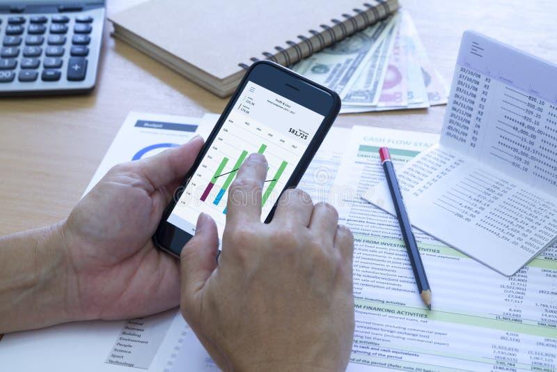 De Storting van de bankbesparing en Cash flowbeheer stock foto's