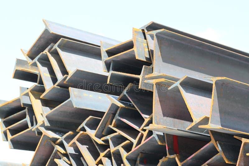 De straalstichting van metaalprofielen voor de bouw structuren stock afbeeldingen