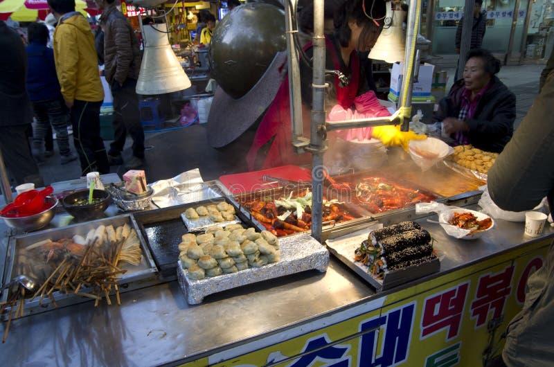 De straat eet Busan Zuid-Korea stock foto