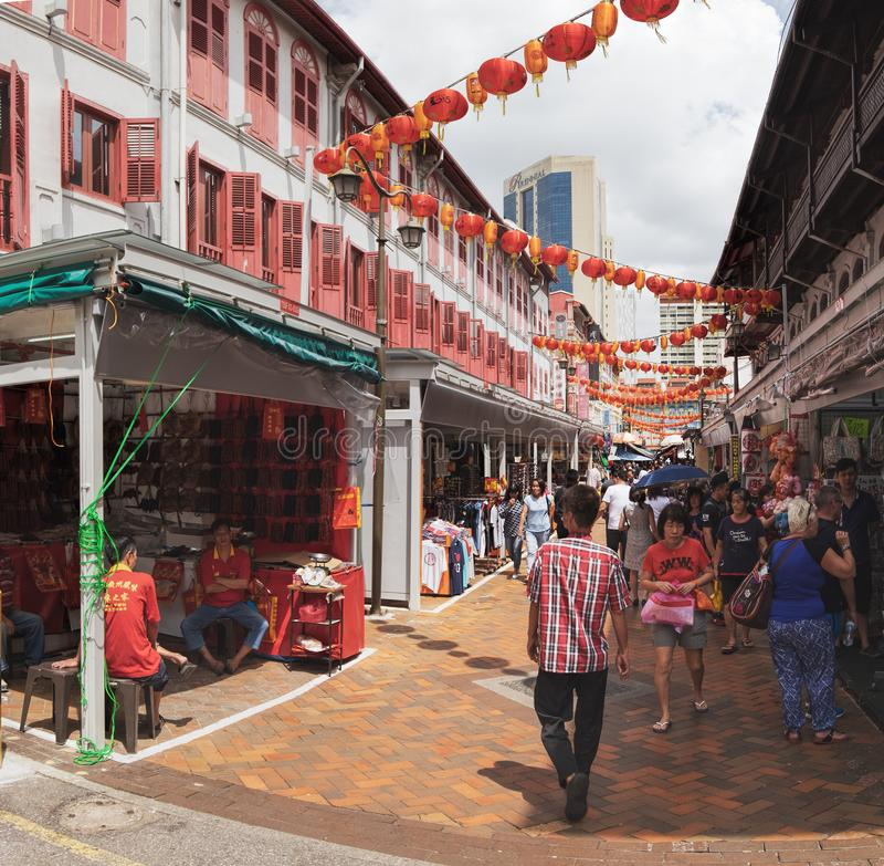 De straat van het Chinatownvoedsel in Singapore stock foto