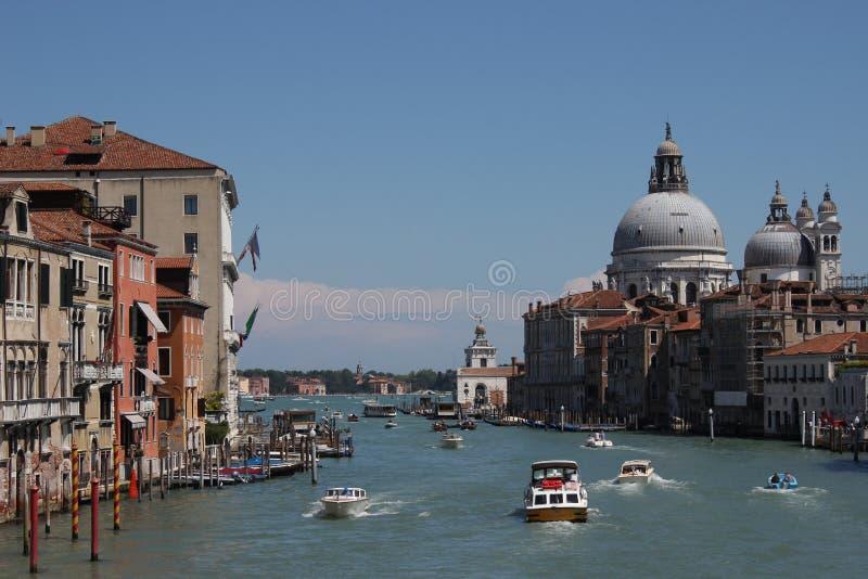 De straat van het water in Venetië royalty-vrije stock fotografie