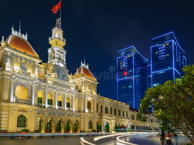 De straat van Ho-Chi-Minh-Stad Vietnam bij nacht stock afbeeldingen