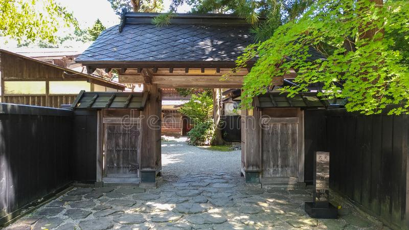 De Straat van Kakunodatebukeyashiki Kakunodate is beroemd door Bukeyashiki (samoeraienwoonplaatsen) stock foto's