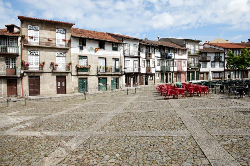 """de Straat van """"Pracade Sao Tiago† - Guimaraes - Portugal royalty-vrije stock foto's"""