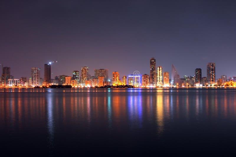 De straat van Sharjah Corniche stock afbeelding
