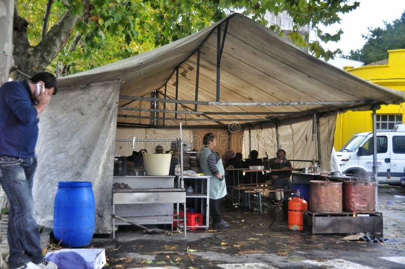 De straatkoffie in Porto doet Zoon stock foto's