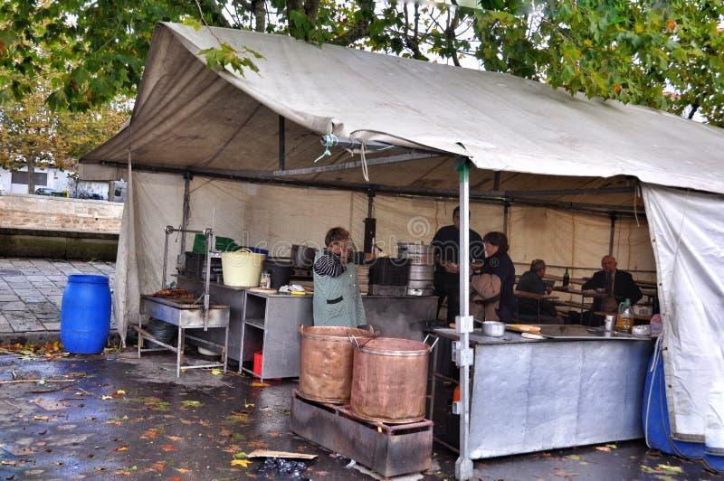 De straatkoffie in Porto doet Zoon stock afbeeldingen