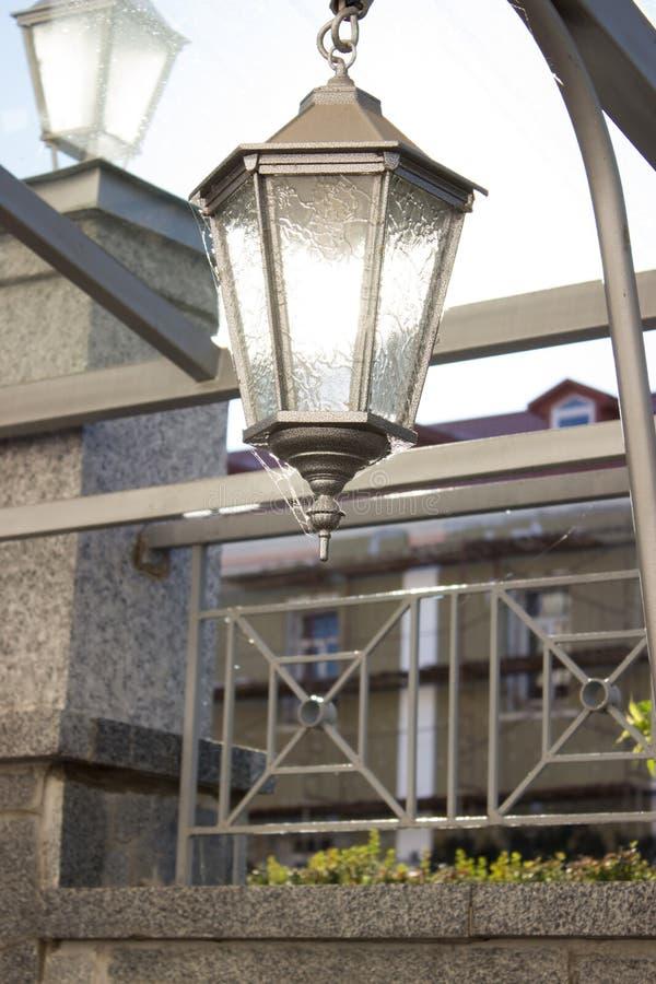 De Straatlantaarn van de lantaarnlamp stock afbeelding