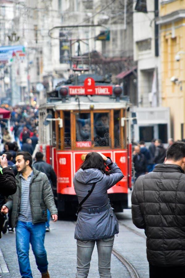 De Straatmenigte van Taksimistiklal stock foto's