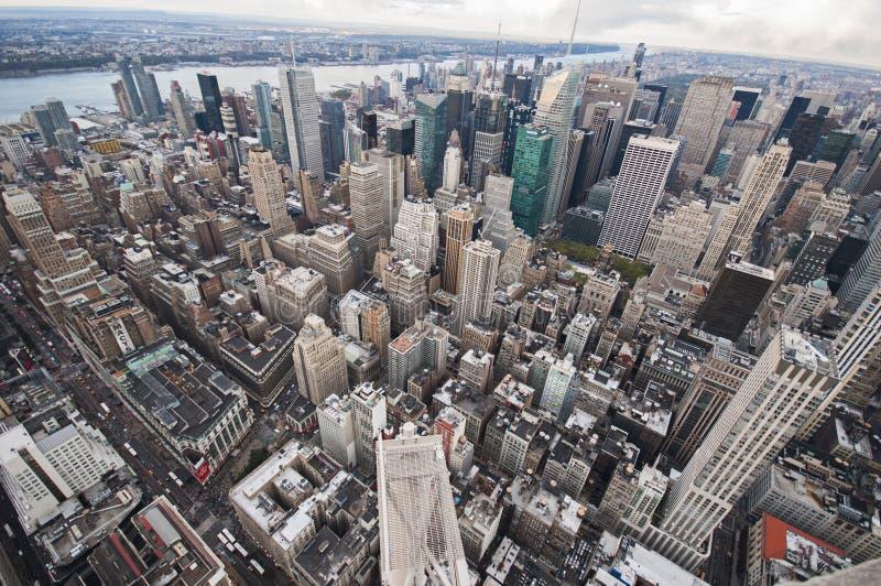 De straatmening van Manhattan van Empire State Building in de Stad van New York stock foto's