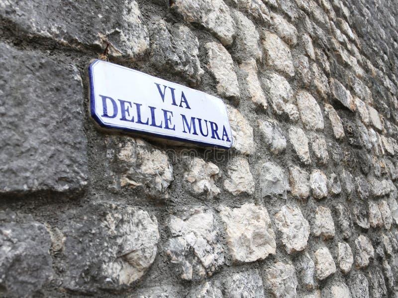 De straatnaam die Weg van de muren in de stad betekent riep VENZ royalty-vrije stock afbeelding