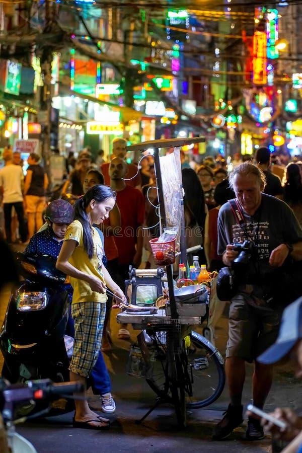 De straatnachtleven van Vietnam stock fotografie