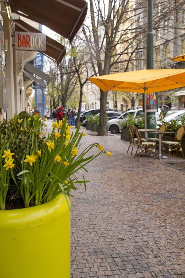 De straatscène van Praag. Tsjechische Republiek royalty-vrije stock afbeelding