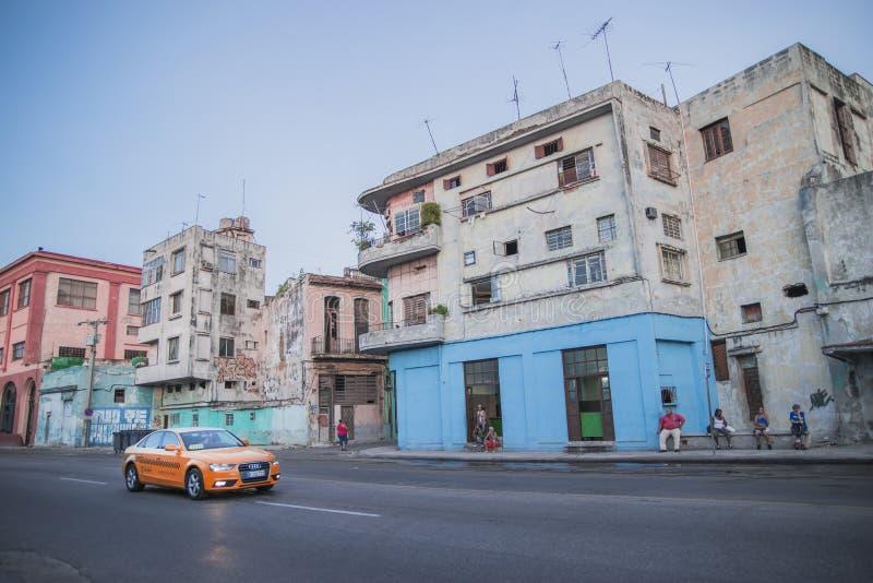 De Straatverkeer van Cuba Havana Old City Audi Cars Florida royalty-vrije stock foto