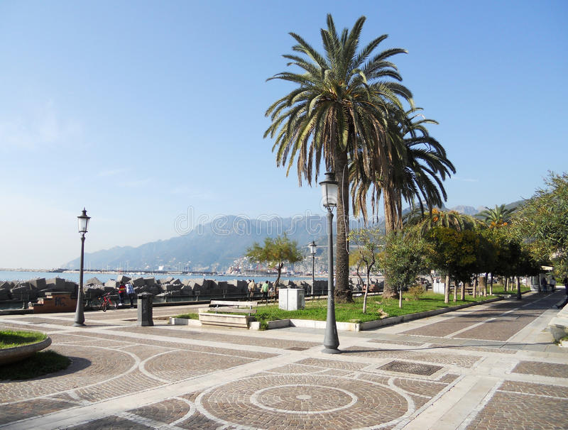 De strandboulevard van Salerno royalty-vrije stock afbeelding