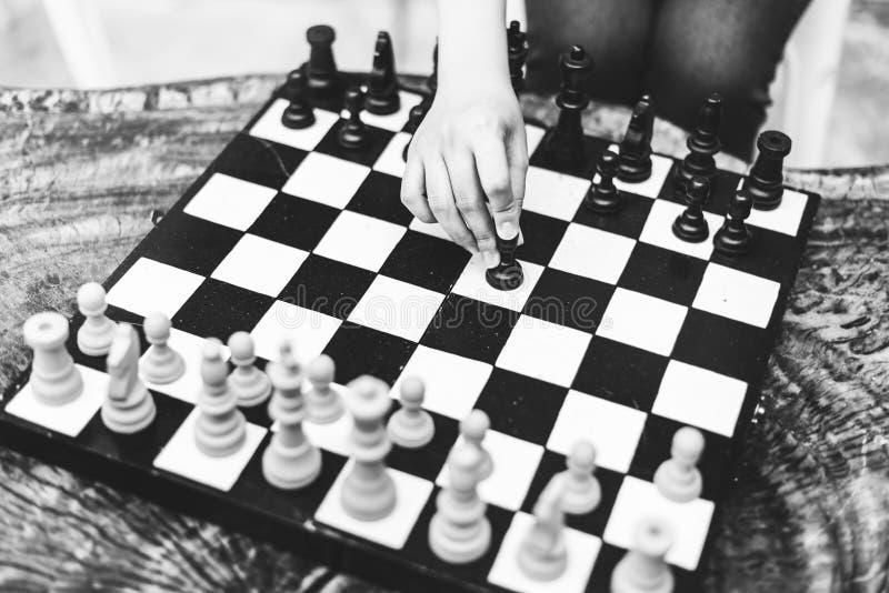 De Strategie van het schaakspel het Denken het Concept van de Hobbysvrije tijd stock foto