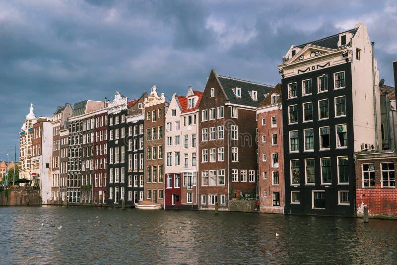 De straten en de kanalen van Amsterdam stock fotografie