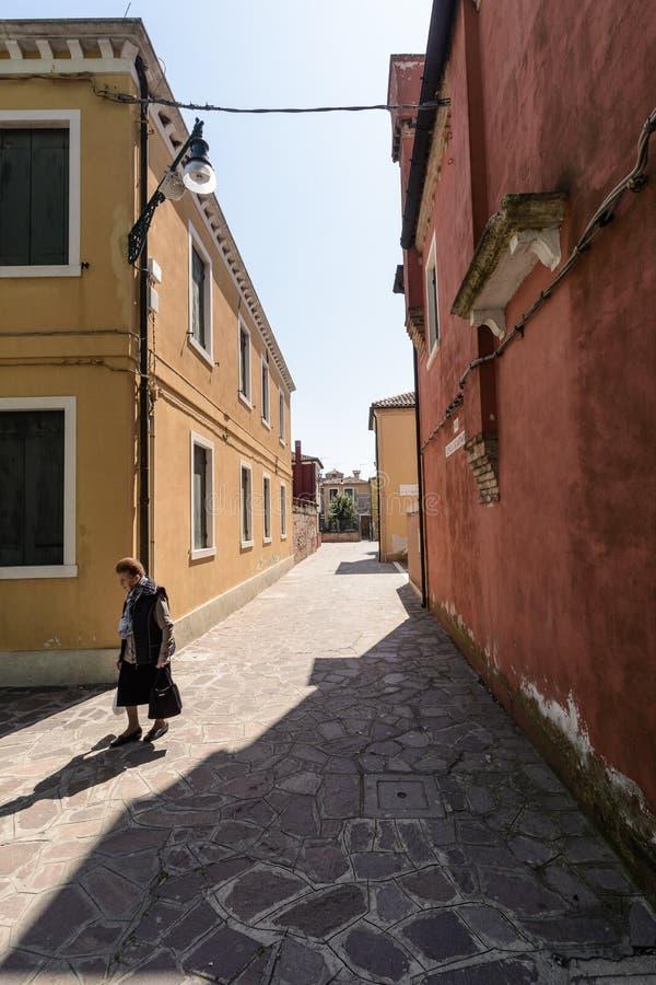 De Straten van Burano, Italië stock fotografie
