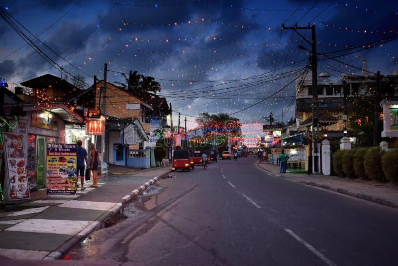 De straten van de Negombostad bij nacht royalty-vrije stock afbeeldingen