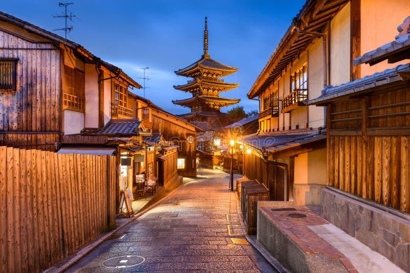 De Straten van Kyoto en Yasaka-Pagode royalty-vrije stock afbeeldingen