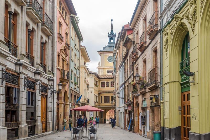 In de straten van Oviedo in Spanje royalty-vrije stock afbeelding