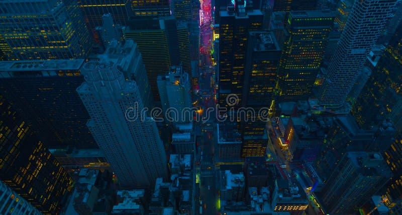 De straten van de Stad van New York bij nacht Satellietbeeld aan kruising de van de binnenstad van Manhattan Het Thema van Amerik royalty-vrije stock afbeelding