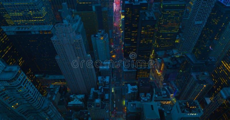 De straten van de Stad van New York bij nacht Satellietbeeld aan kruising de van de binnenstad van Manhattan Het Thema van Amerik stock foto