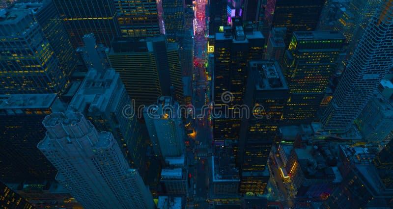 De straten van de Stad van New York bij nacht Satellietbeeld aan kruising de van de binnenstad van Manhattan Het Thema van Amerik stock afbeelding