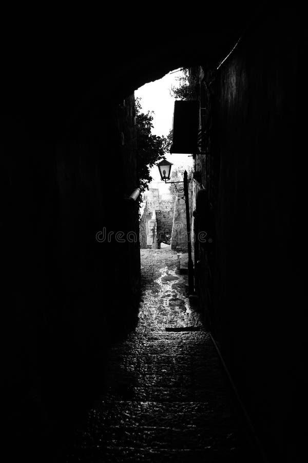 De straten van Tzefat in zwart-wit royalty-vrije stock afbeelding