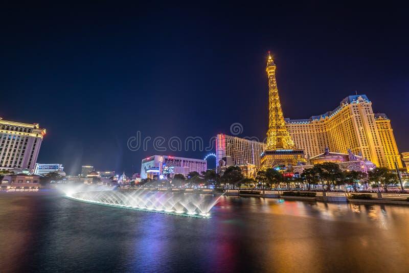 De strook van Las Vegas bij nacht stock afbeeldingen