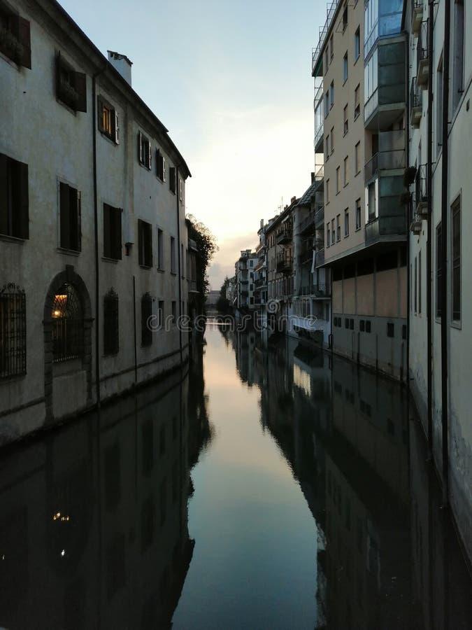 De stroomversnelling van Padua stock fotografie