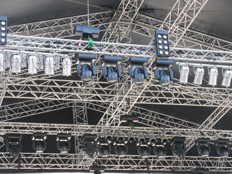De structuren van stadiumverlichting steekt apparatuur aan stock afbeeldingen