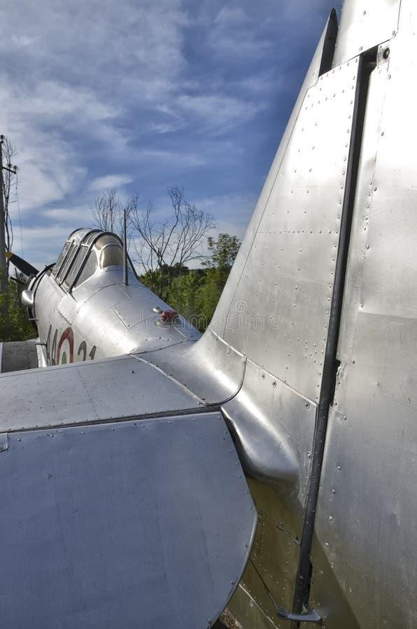 De structuur van het vliegtuigaluminium met klinknagels stock foto's