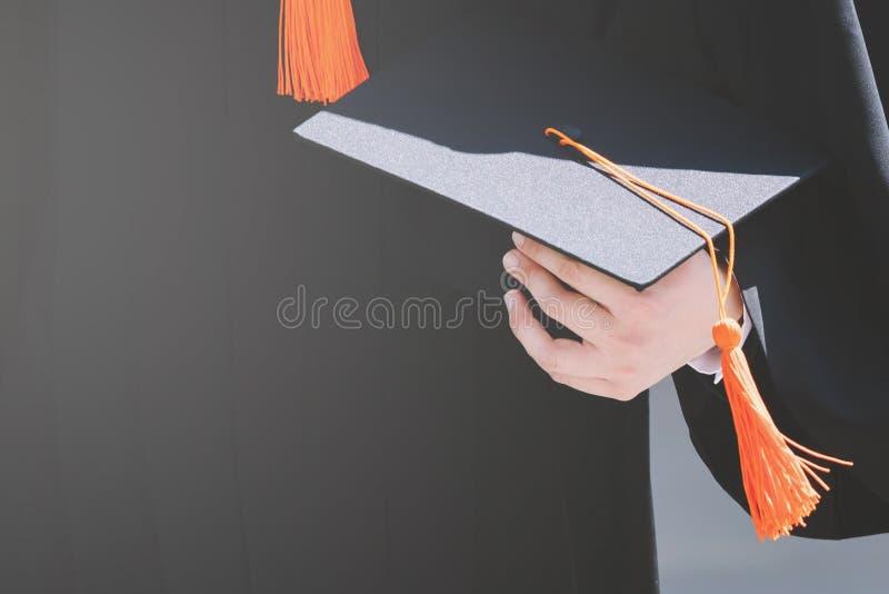 De studenten behalen bij Universiteit een diploma om nationaal en sociaal aanvaardbaar te zijn royalty-vrije stock afbeelding