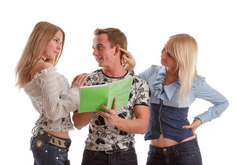 De studenten treffen voor onderzoek voorbereidingen stock foto's