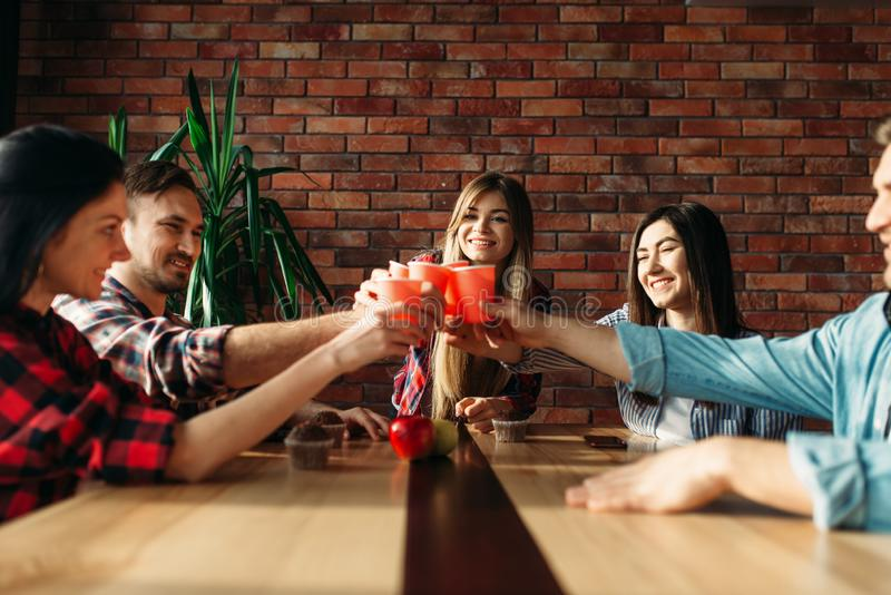 De studenten vieren gebeurtenis, universitaire partij stock foto